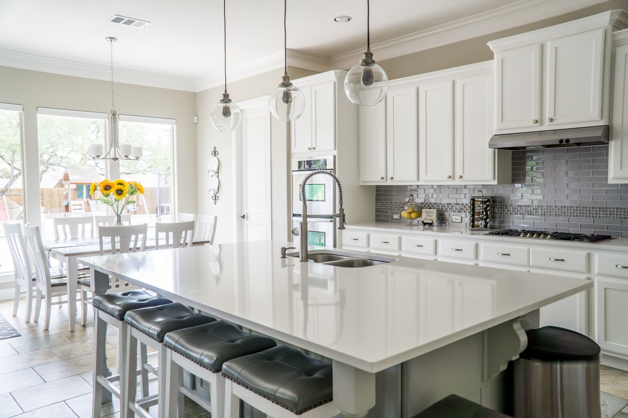 Six Tricks Professional Movers Use When Packing Your Kitchen